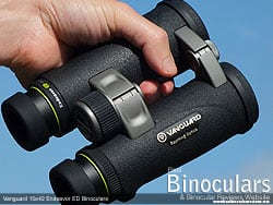 Secure grip with the open bridge design on the Vanguard Endeavor ED 10x42 Binoculars