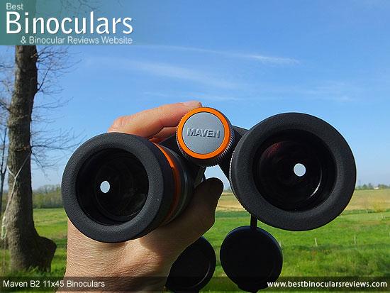 Focusing the Maven B2 11x45 Binoculars