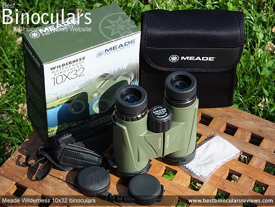 Meade Wilderness 10x32 Binoculars with accessories