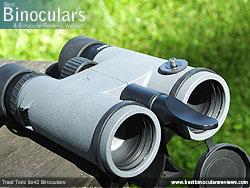 Tripod Adaptable Tract Toric 8x42 Binoculars