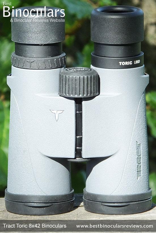 Tract Toric 8x42 Binoculars