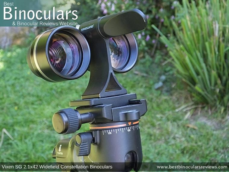 Vixen SG 2.1x42 Binoculars mounted onto a tripod