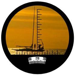 Heads-Up Compass & Rangefinding Reticle Display on Marine Binoculars