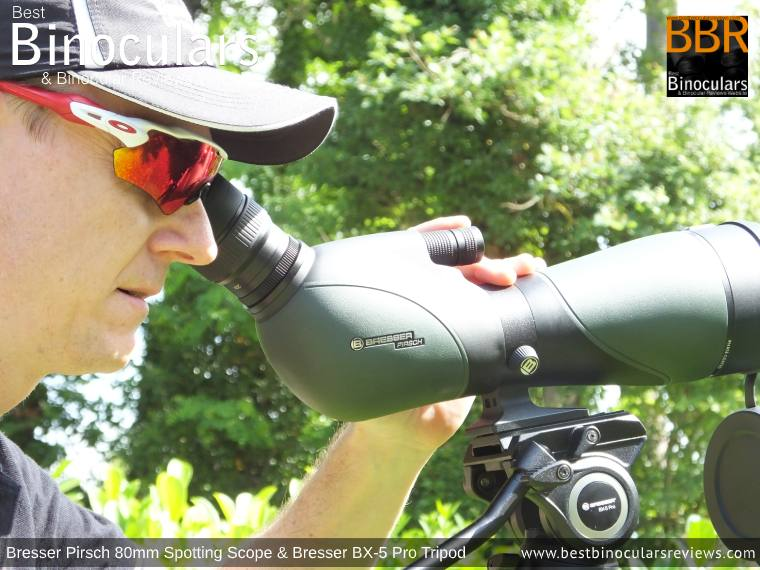 Using the Bresser Pirsch 20-60x80 Spotting Scope wering glasses