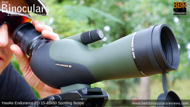 Adjusting the magnification with the 15-45x Zoom Eyepiece on the Hawke Endurance ED 15-45x60 Spotting Scope